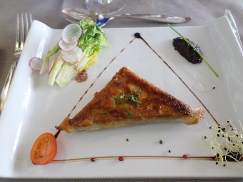 Samoussa d'effilochée de canette confite maison, parfumé au foie gras