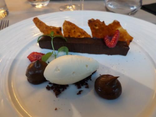 Le tout chocolat aux notes de poivre de Madagascar, glace chocolat blanc