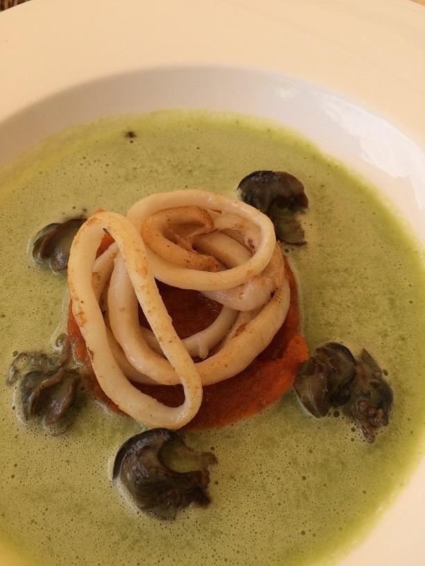 Les Escargots et Calamars à la Tomate confite, Beurre Persillé