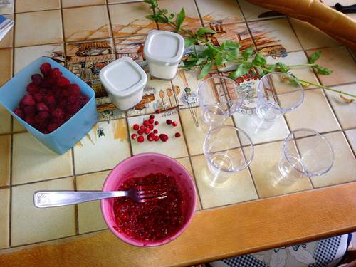 verrine fruit rouges yaourt 2.jpg