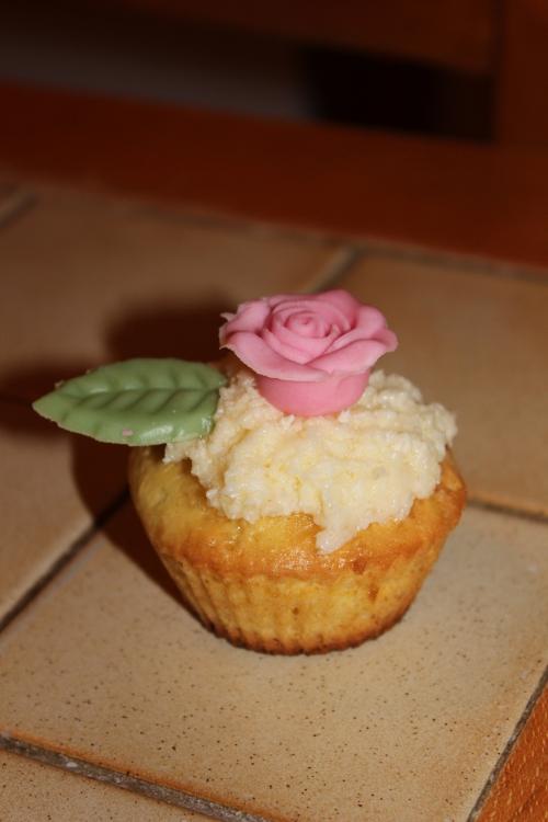 Cupcake rose & noix de coco.jpg