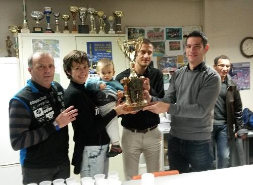 Remise Coupe Challenge par Equipe Corrida 2016 à CMI_light.jpg