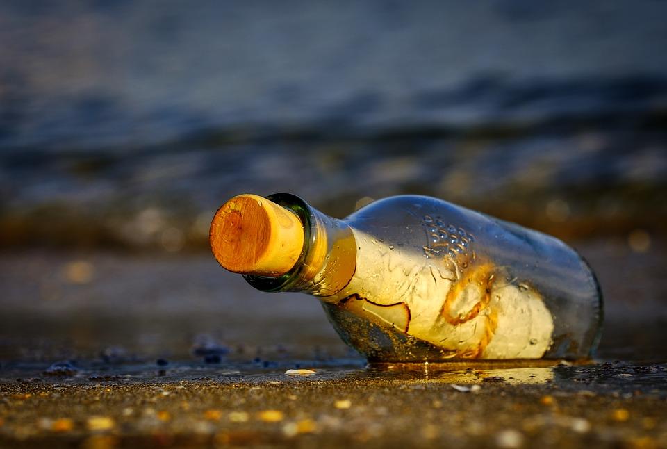 message-in-a-bottle-3437294_960_720.jpg