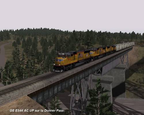 GE ES44 AC UP sur la Donner Pass 02.jpg