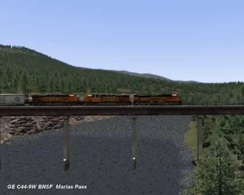 GE C44-9W BNSF pont MP..jpg