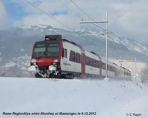 Rame RegionAlps entre Monthey et Massongex le 8.12.2012.jpg