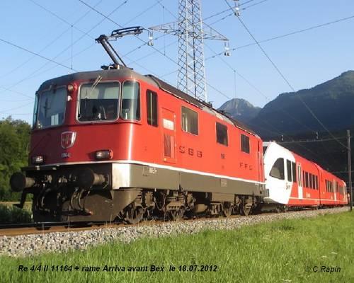 Re 44 Ii 11164 + rame Arriva av.bex le 18.07.2012.jpg