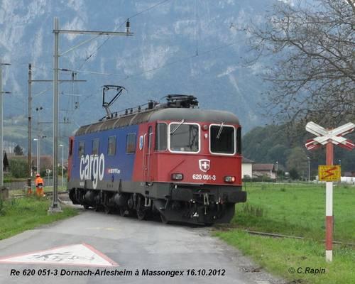 Re 620 051-3 Dornach-Arlesheim à Massongex 16.10.2012.jpg