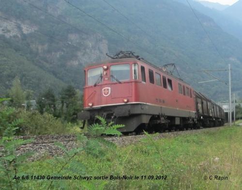 Ae 66 11430 Gemeinde Schwytz sortie BN.jpg