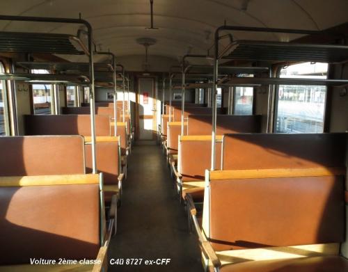 Voiture 2ème classe Swisstrain C4ü 8727 ..jpg