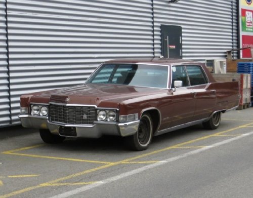 Cadillac Fleetwood à Collombey.jpg