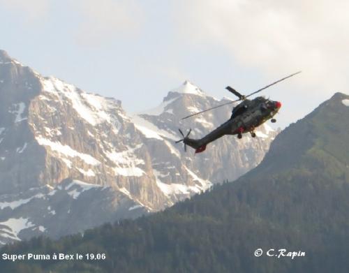 Super Puma à Bex 19.06.jpg