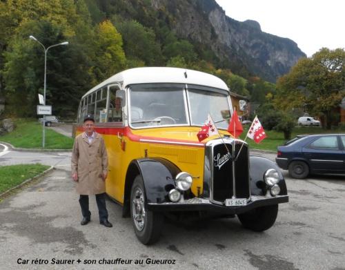 Car rétro Saurer +Chauffeur Gueuroz. 27.jpg