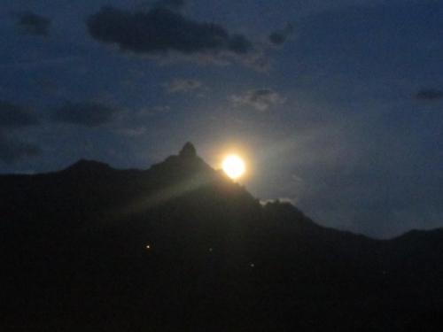 Lever lune Dent morcles.jpg