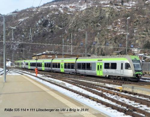 RABe 535 114 + 111 Lötscberger en UM à Brig le 29.jpg