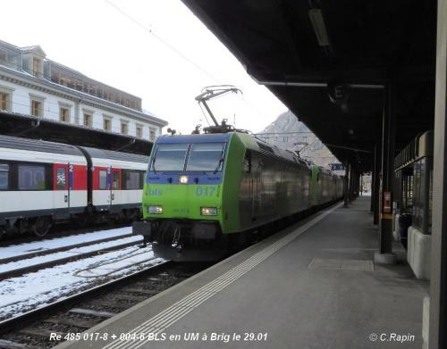 Re 485 017-8 + 004-6 BLS en UM à Brig le 29.01 .jpg