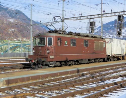 Re 425 182 Kandergrund BLS à Brig le 29.01 .jpg