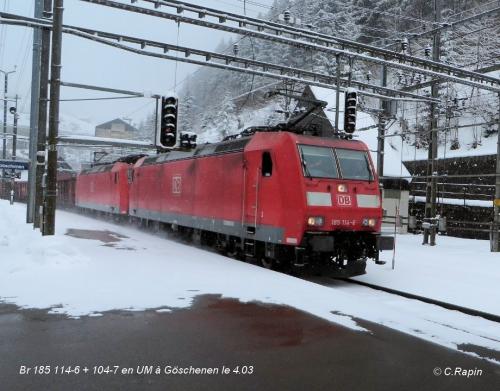 Br 185 114-6 + 104-7 en UM à Göschenen le 4.03.jpg