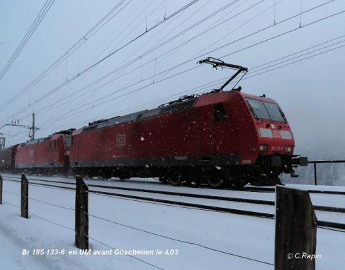 Br 185 133-6  en UM avant Göschenen le 4.03.jpg
