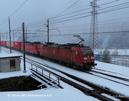 Br 185 en UM à Göschenen le 4.jpg