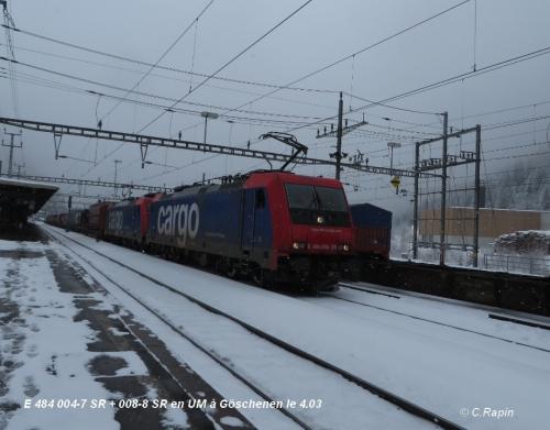 E 484 004-7 SR + 008-8 SR en UM à Göschenen le 4.jpg
