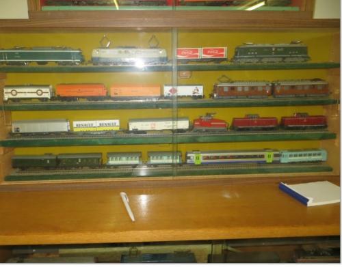 RCT vitrine 03.jpg