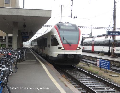 RABe 523 010 à Lenzburg le 29.04.jpg