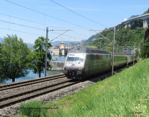 Re 460 107-6 Alptransit à Chillon le 3.07..jpg