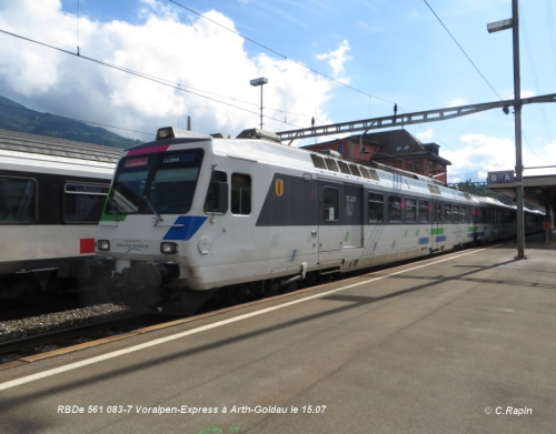 RBDe 561 083-7 Voralpen-Express à Arth-Goldau le 15.jpg