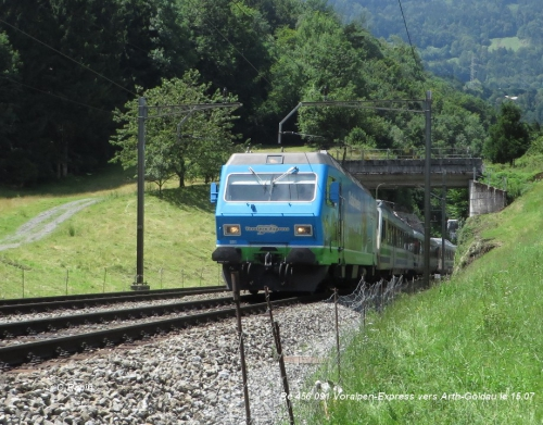 Re 456 091 Voralpen-Express vers Arth-Goldau le 15.07.jpg