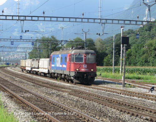 Re 620 088-5 Linthal à St.Triphon le 31.07.jpg