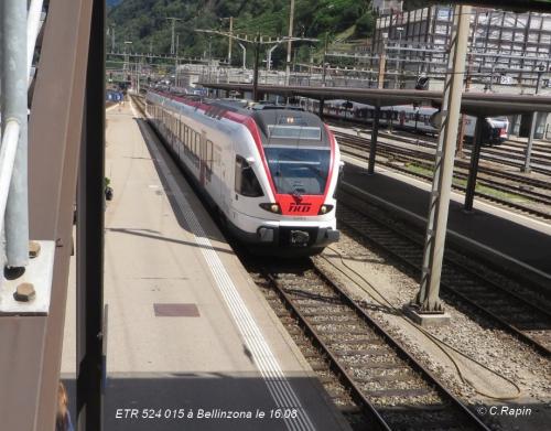 ETR 524 015 à Bellinzona le 16.08.jpg