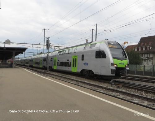 RABe 515 028-9 + 015-6 en UM à Thun le 17.09..jpg
