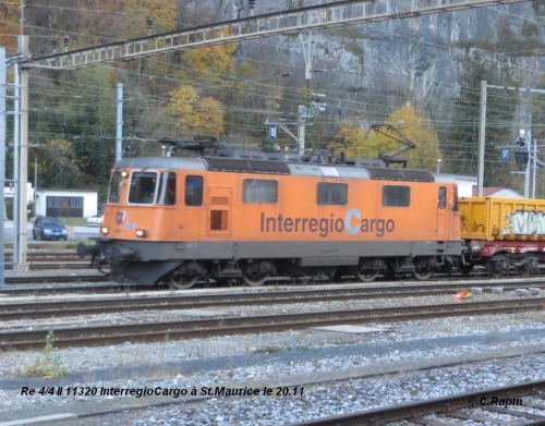 Re 44 II 11320 Interregio Cargo StM.02. 20.11.jpg