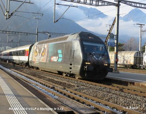 Re 460 105-0 VSLF à Martigny le 5.12..jpg