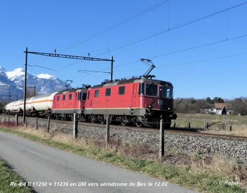 Re 44 II 11250 + 11236 en UM aéro 12.02.jpg