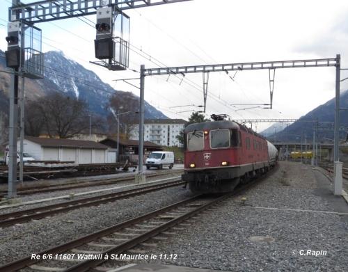 Re 66 11607 Wattwil à St.Maurice le 11.12.jpg