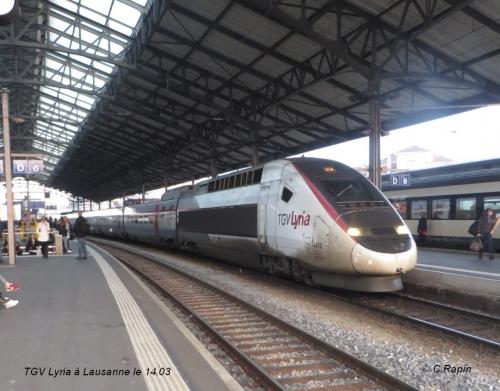 TGV Lyria à Lausanne le 14.jpg