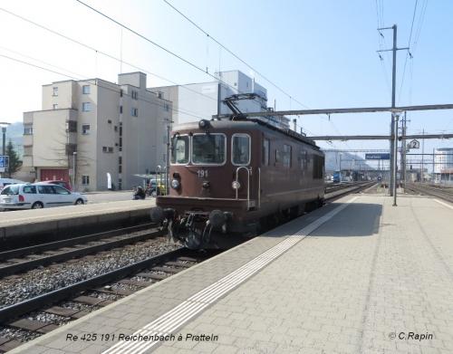 13-Re 425 191 Reichenbach à Pratteln.jpg