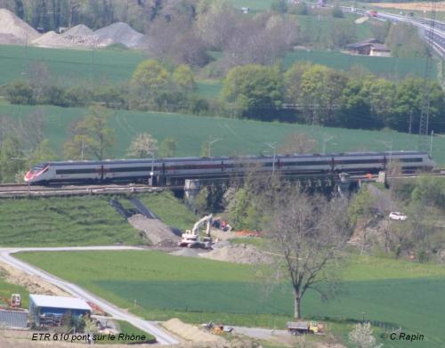 ETR 610 pont sur le Rhône 01 21.04.jpg