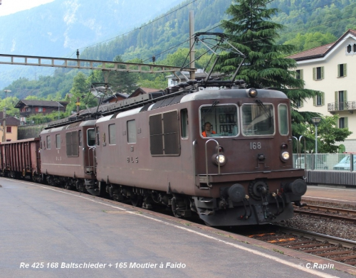 Re 425 168 Baltschieder + 165 Moutier à Faido 10.06..jpg