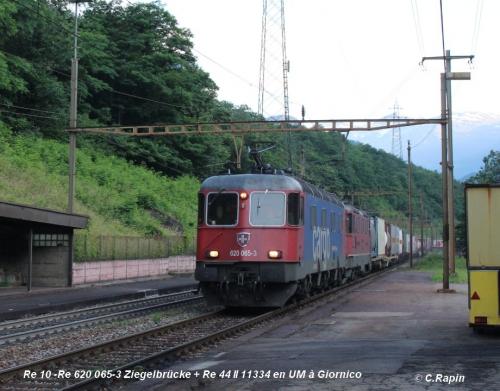 05-Re 10 -Re 620 065-3 Ziegelbrücke + Re 44 II 11334 en UM à Giornico 11.06..jpg