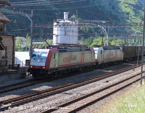 09-Br 185 591-5 + 580-8 en UM à Göschenen 11.06-.jpg