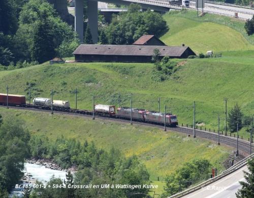 15-Br 185 601-2 + 594-8 Crossrail en UM à Wattingen Kurve 11.06..jpg