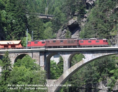 20-Re 10 - Re 66 11608 Wetzikon + Re 44 II 11184 en UM  + Re 425 171 Därliken à Wassen 11.06. .jpg