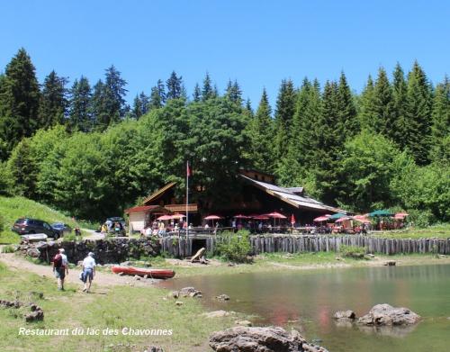 Restaurant du lac des Chavonnes 28.06..jpg