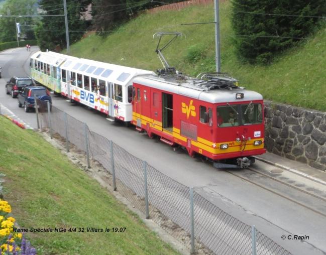 Rame spéciale HGe 44 32 à Villars .19.07.jpg