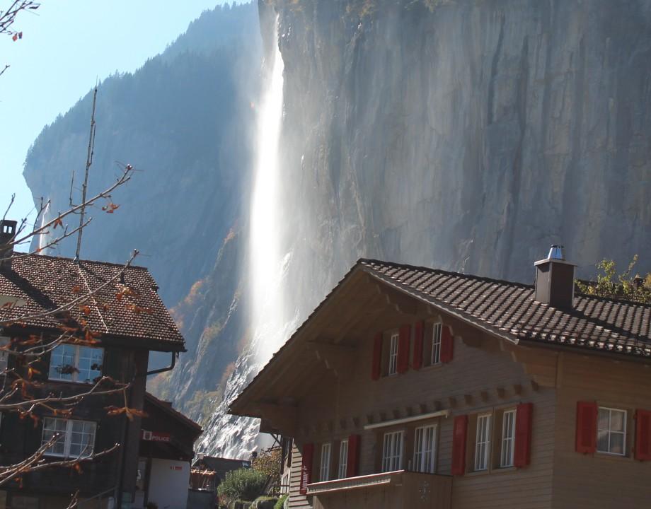 Chute du Staubbach à Lauterbrunnen ..jpg
