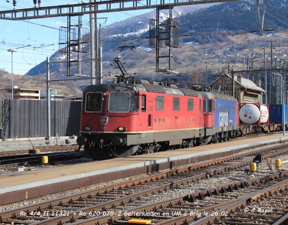 022-Re 44 II 11321 + Re 620 075-2 Gelterkinden en UM à Brig le 26.02..jpg