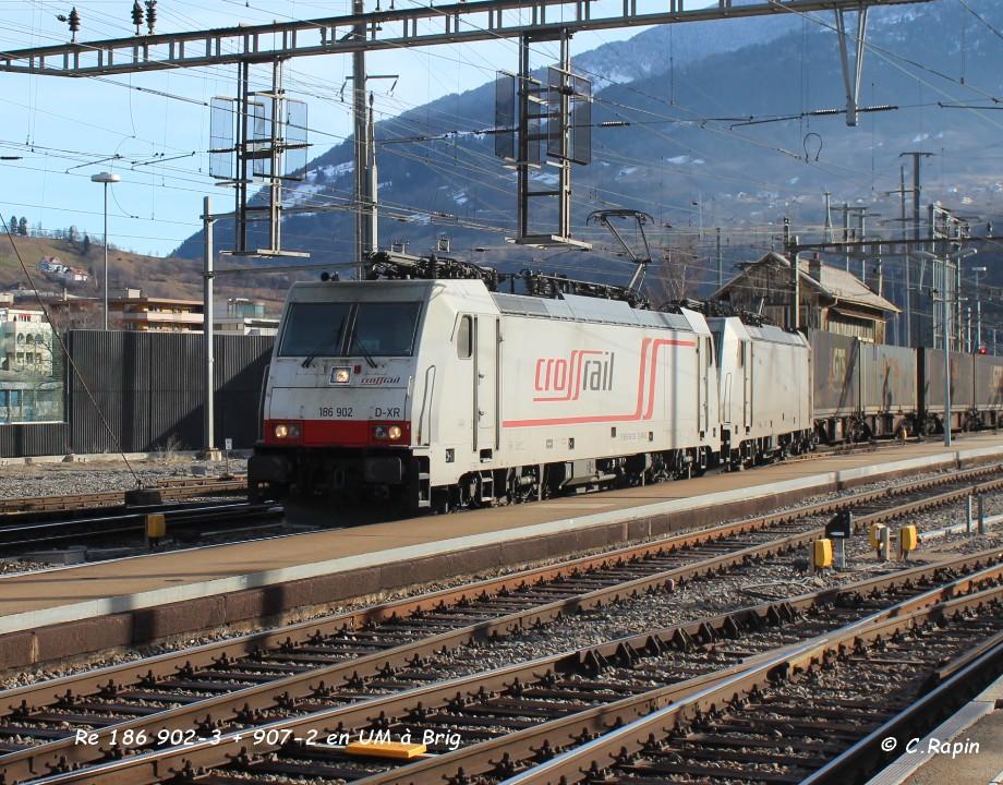 012-Re 186 902-3 + 907-2 en UM à Brig 26.02..jpg